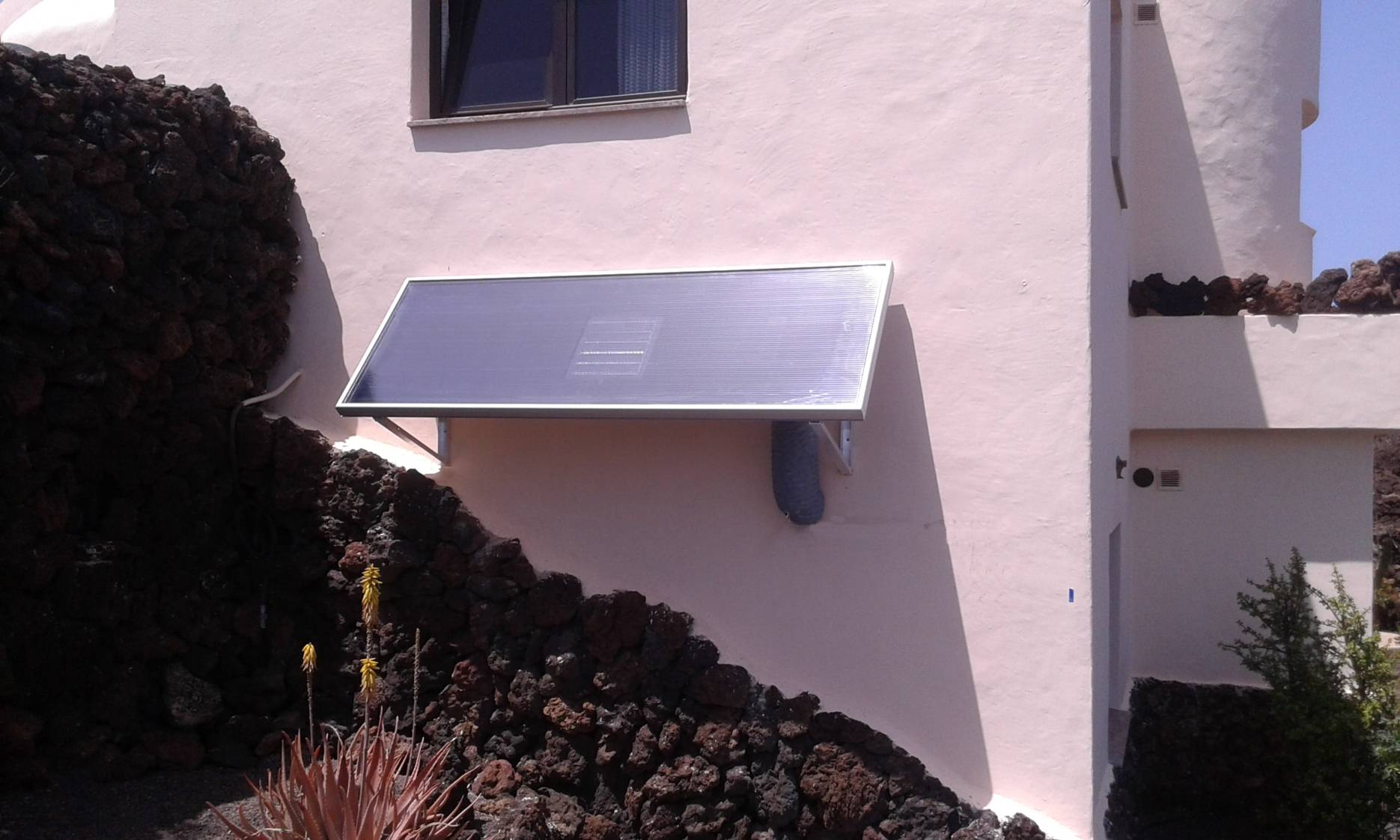 deshumidificacion Lanzarote en pared SolarVenti Entfeuchtung Dehumidification